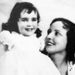 Elizabeth as a child with her mother