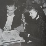 Clark and Vivien leigh playing a boardgame on set