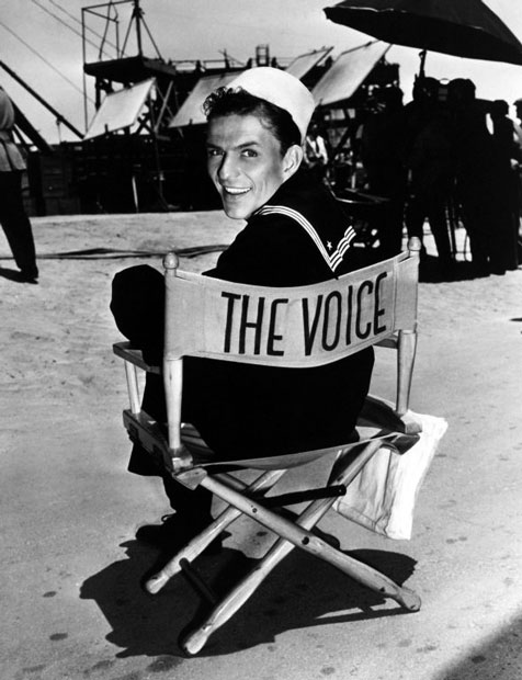 Frank Sinatra on set